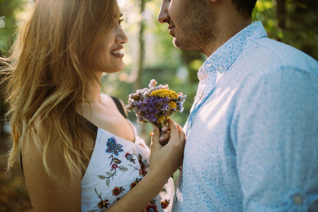 Valorisez les détails et exprimez votre amour  + Comment faire d'une liaison une relation longue et heureuse ?   Suivez ces quelques conseils!