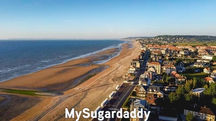 sugar daddy normandie plage promenade sable fin